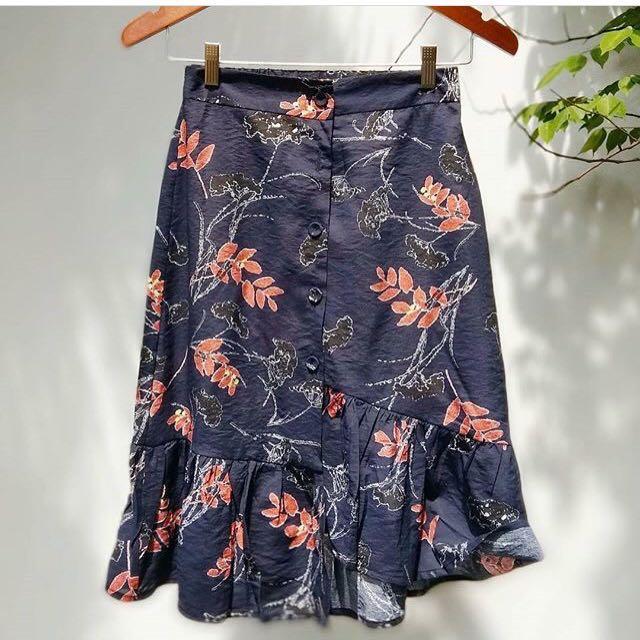 Asymmetric vintage skirt