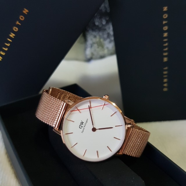 318ad486e81f Authentic Daniel Wellington Classic Petite Melrose Watch 32mm   36mm ...
