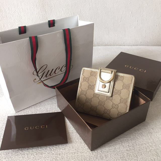 AUTHENTIC GUCCI Short Compact Wallet Purse💕Full set with receipt💕