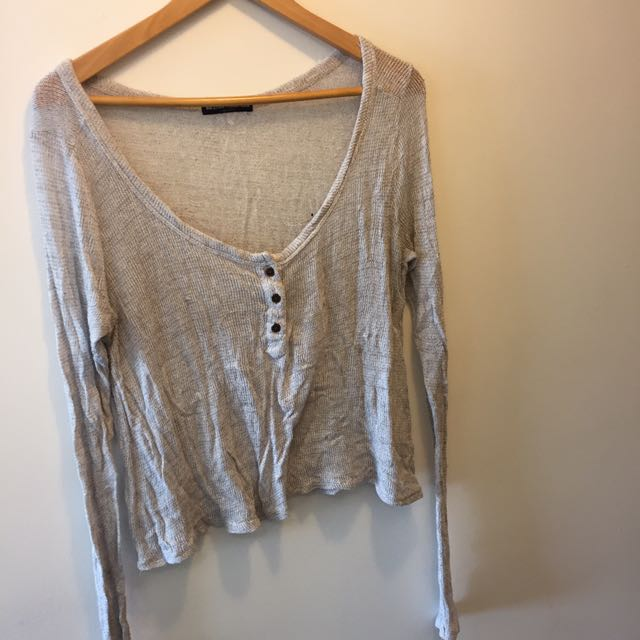 Brandy Melville Thin Knit Sweater