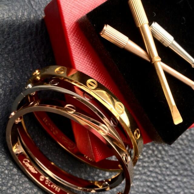 54c567710f0 Cartier Love Bracelet Replica