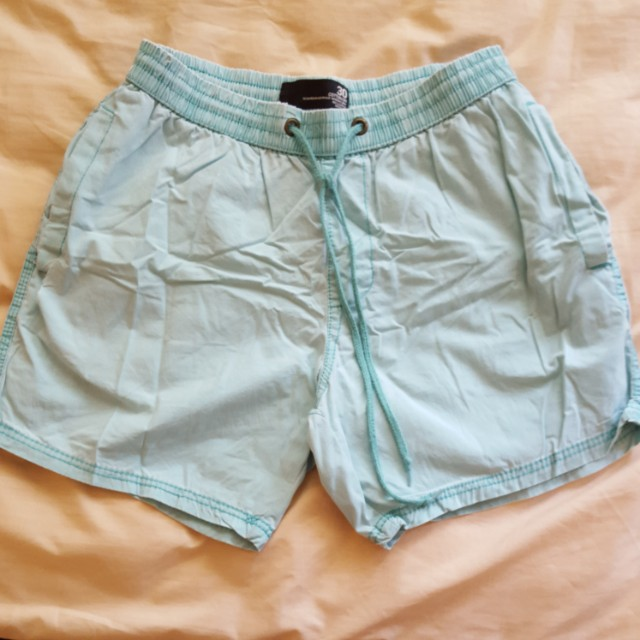Casual men green short size 30