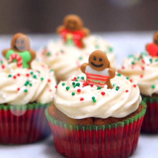 Christmas Chocolate Pudding Cupcakes/ Ginger bread Cupcakes