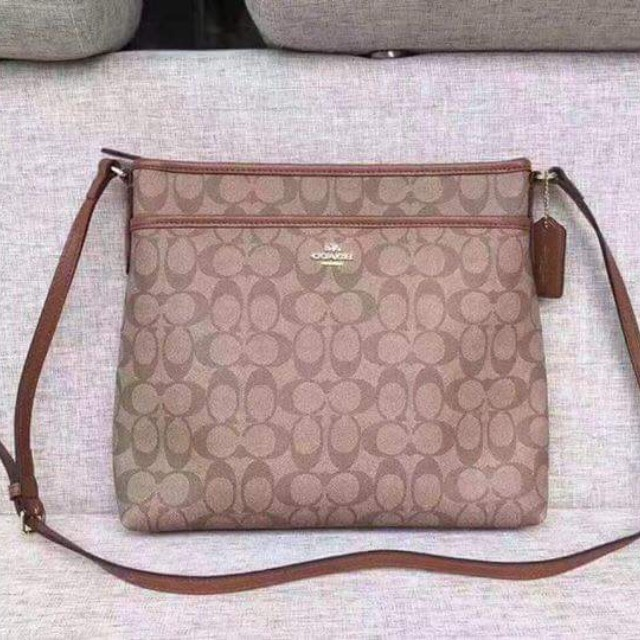 af2f9dbde2235b Coach bag, Luxury, Bags & Wallets on Carousell