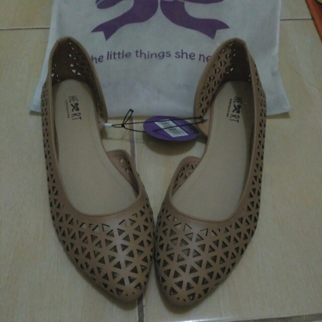 Flat shoes baru heart (the little things she needs) no.40 warna coklat gold