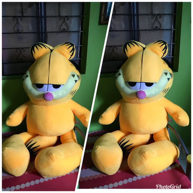 garfield giant stuff toy