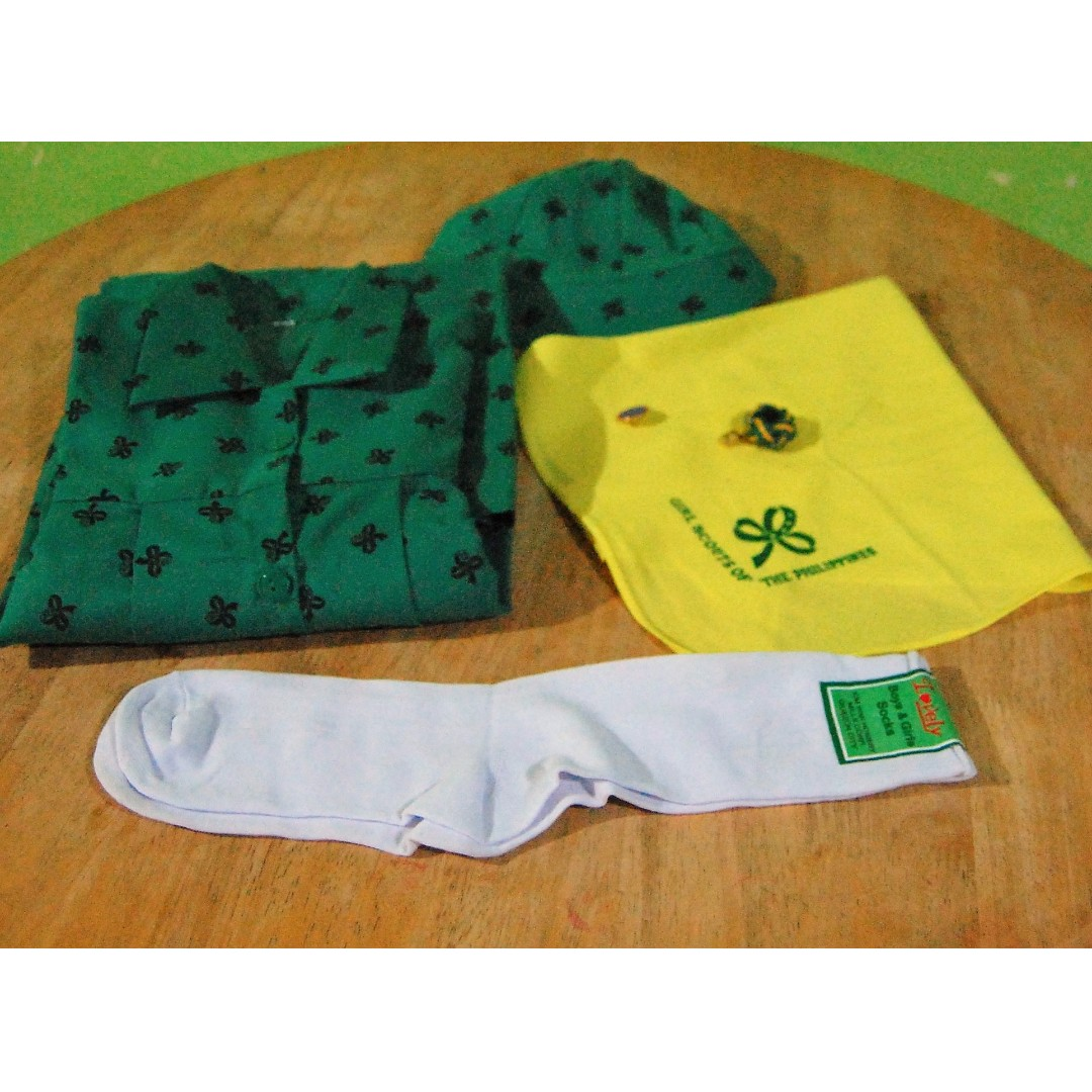 Girl scout Uniform Complete set with pin Free Ship