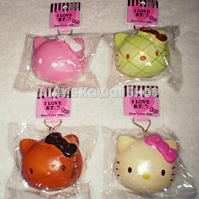 Hello Kitty Breadbun Squishy