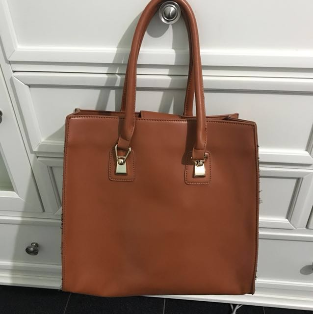 ICONIC brown leather hand bag