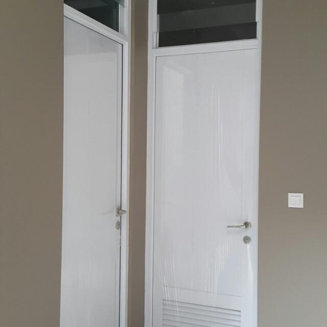 Kusen dan Daun Pintu Kayu putih