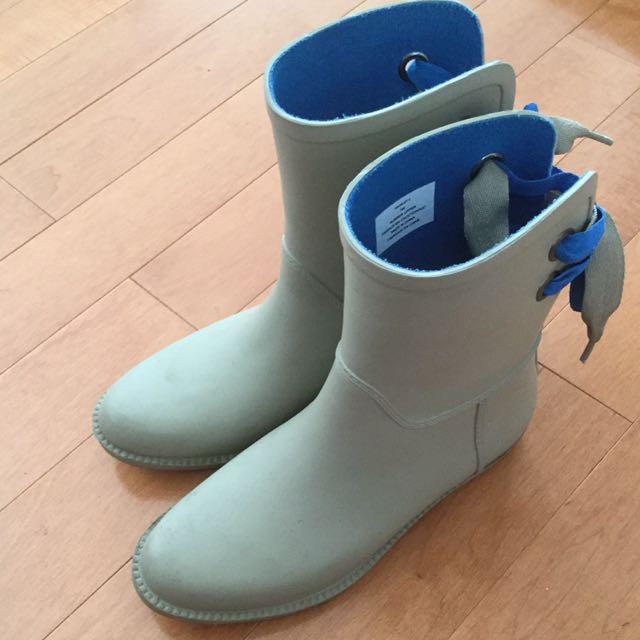 London Fog rain boots size 7M