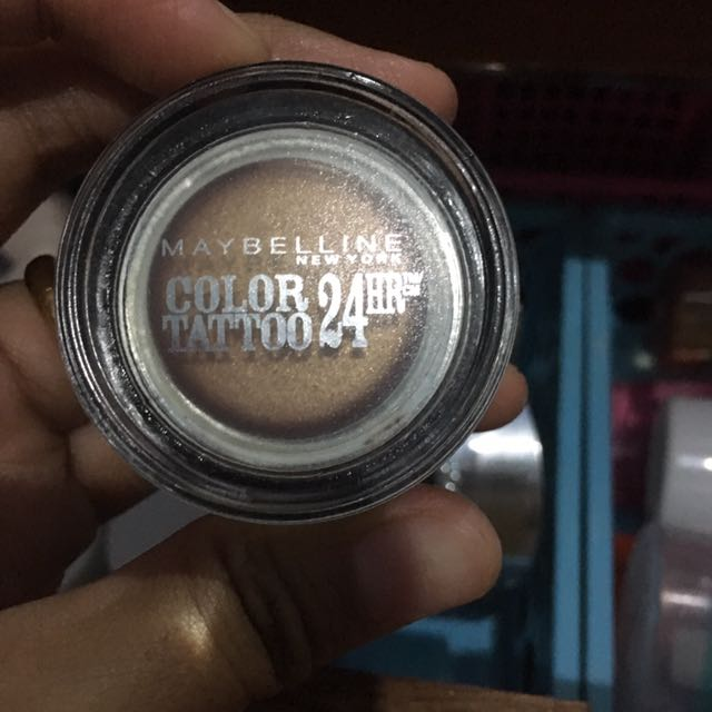 Maybelline eyeshadow cream