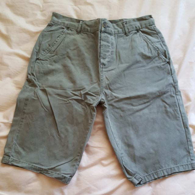 Men ASOS chino khaki shorts