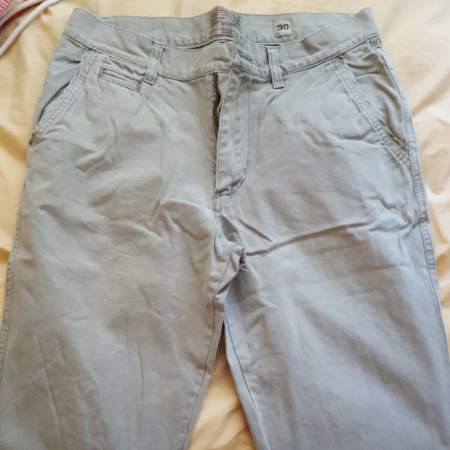 Men grey chinos pants