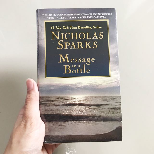 Message In A Bottle (by Nicholas Sparks)