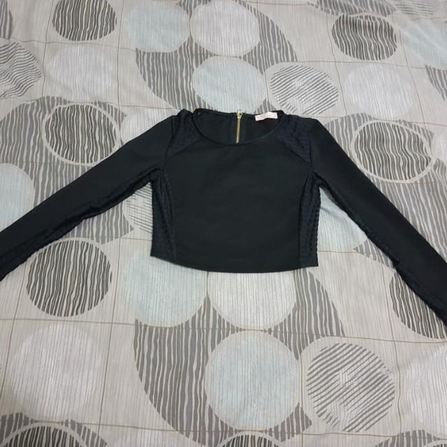 Mink size 6 long sleeve crop black