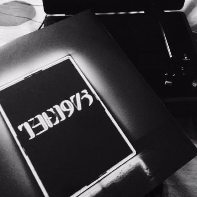 Motorino MK ll Portable Turntable (Gray) with The 1975 vinyl