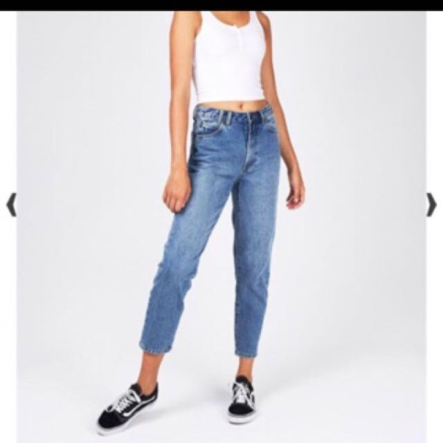 Mum jeans with tag
