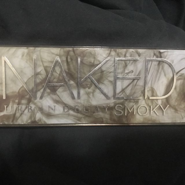 Naked smoky 眼影盤