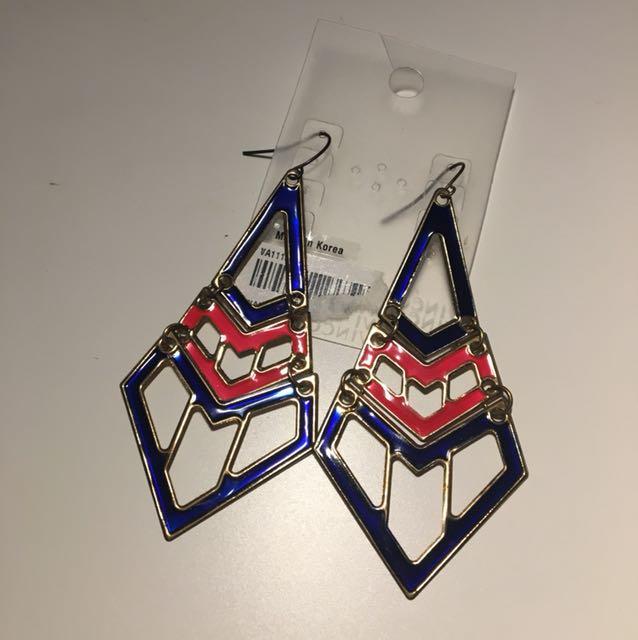 NEW dangling Aztec print earrings