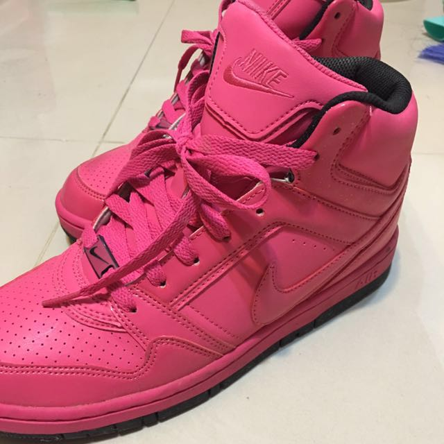 NIKE 亮粉時尚球鞋