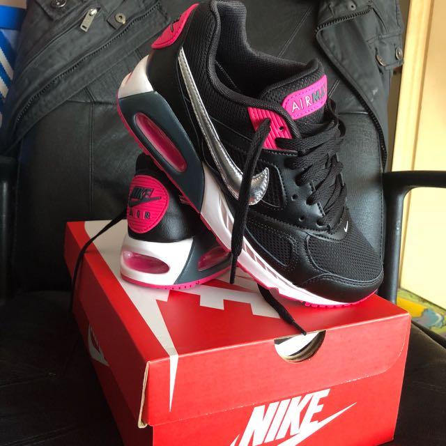 Nike AirMax IVO