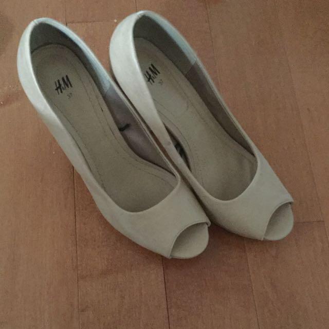 Open toe heels size 37