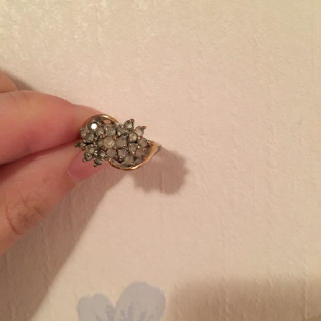 Quartz vintage ring