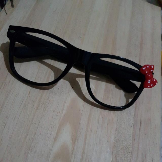 Ribbon glasses