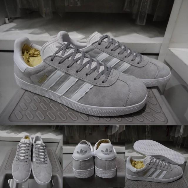 Sepatu Kets Sneakera Casual Adidas Gazelle OG Suede Light Grey Abu Muda 168e1bd8d5