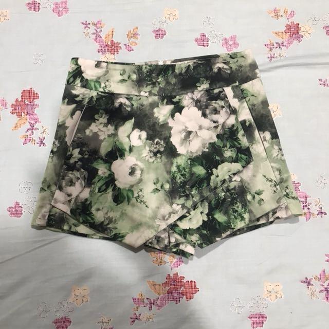 Skirt - short green floral