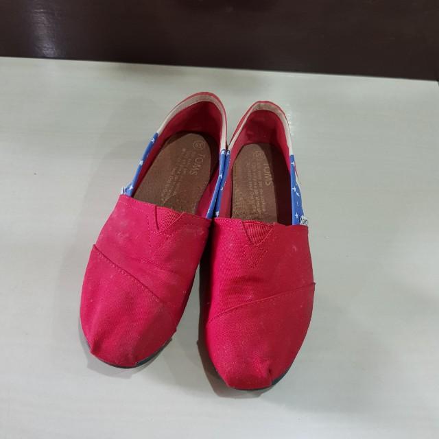 Toms shoe ori.. sepatu kain nyaman bgt di kaki 3ce1fad077
