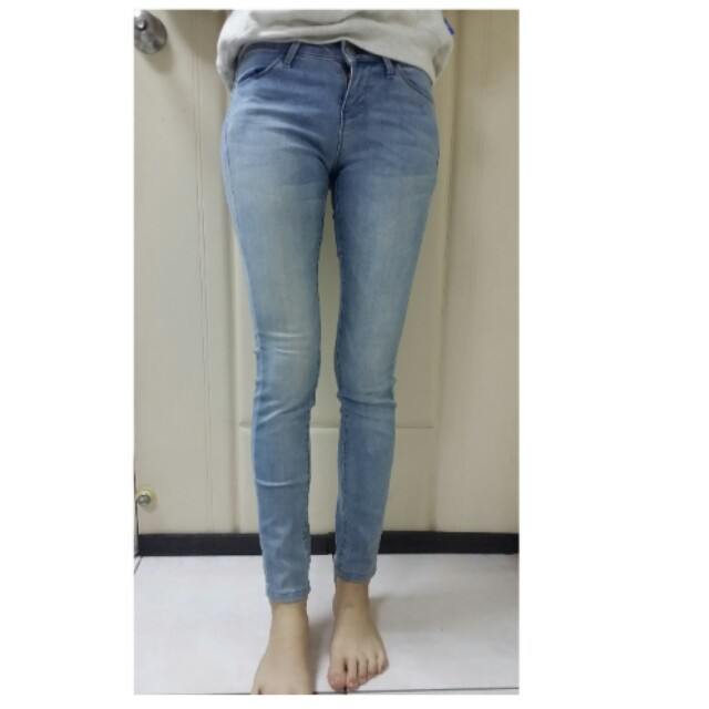 Uniqlo 藍色牛仔長褲