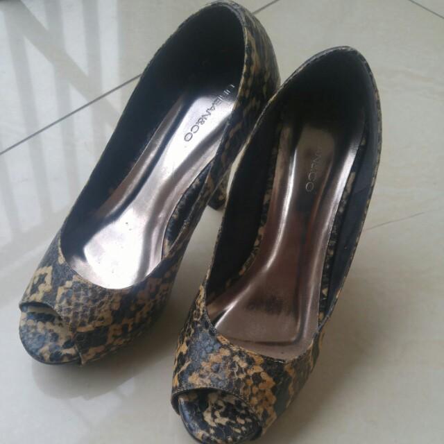 Urban n co snake pattern heels