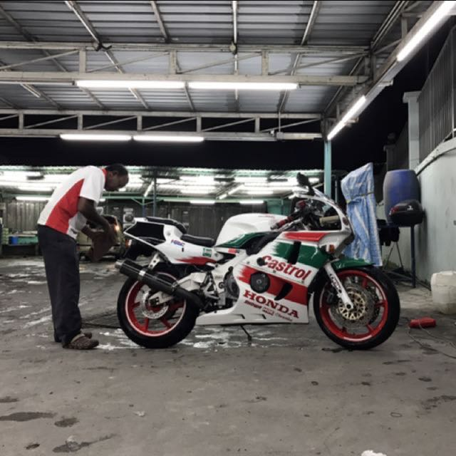 Urgent Honda Cbr 400 Rr Motorbikes Motorbikes For Sale Class 2a