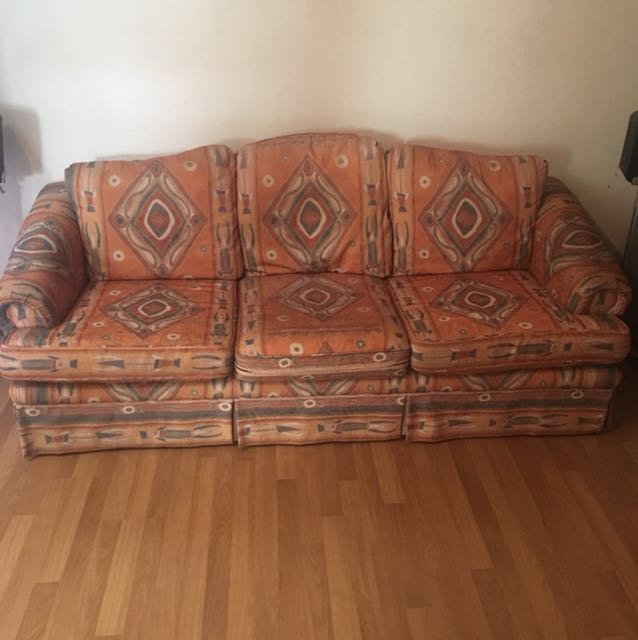 Urgent Murahlelongsofa 321 Home Furniture Others On