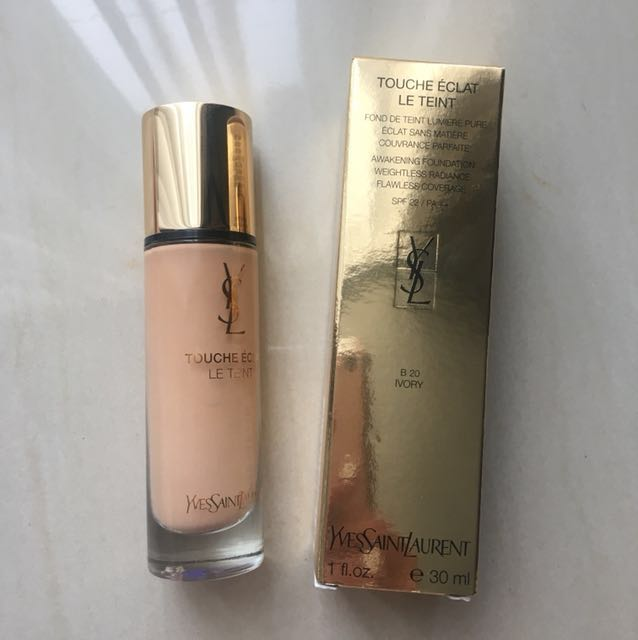 YSL Touche Eclat Le Teint Foundation shade B20 Ivory