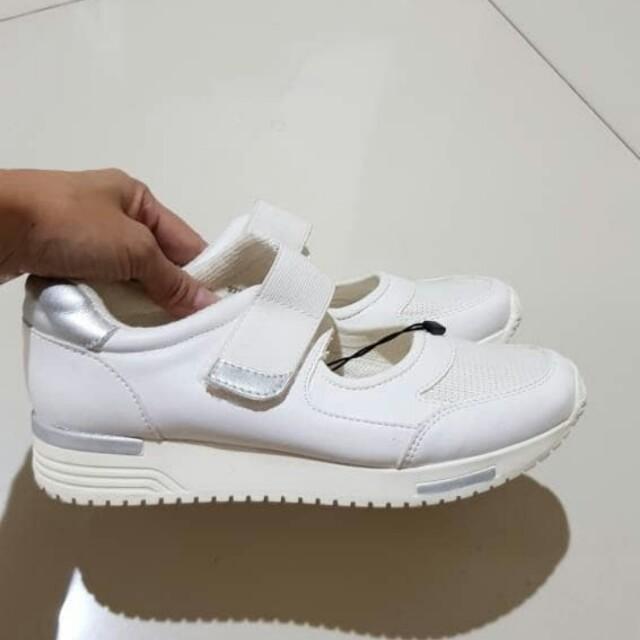 Zara sepatu kets, Fesyen Wanita, Sepatu
