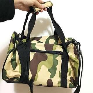 迷彩圓筒包行李袋👌兩天一夜的好選擇