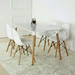 Eames Dining Set (1 Table +4 dining chairs)