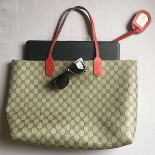 Gucci Reversible Medium Tote in Red Leather