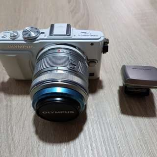 14-42mm Olympus lens