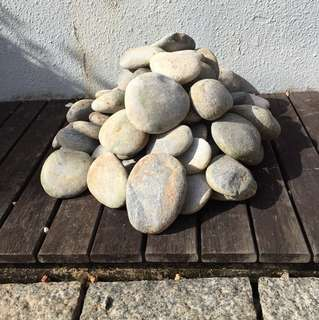 Granite Pebbles - Large and Flat shape
