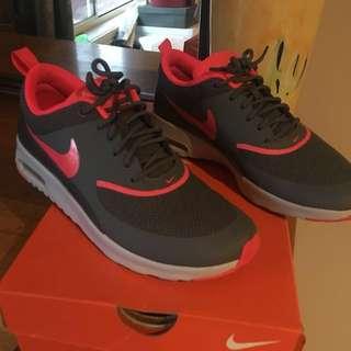 Nike Runners/Sneakers