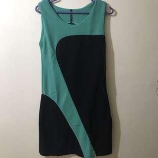 IT GIRL Emerald Green and Black Short Dress