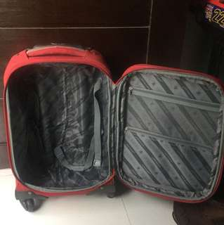 Voyager small luggage bag
