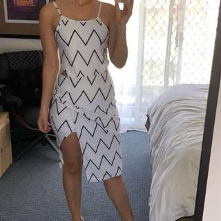 Beginning Boutique white and black dress - size s - split at the front and open back