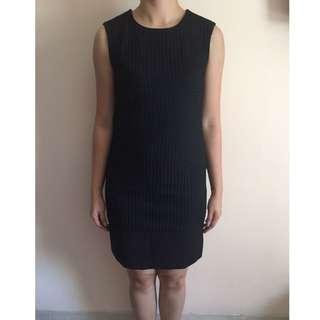 Dress hitam - INVIO