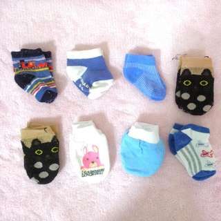 FREE ~ Christmas gift for your little one baby Newborn Socks And mittens for BLESS