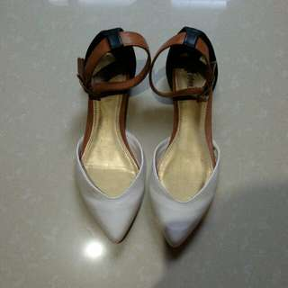 white/black combi flat shoes
